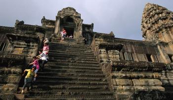 10 самых страшных лестниц мира, пройтись по которым отважится только самый смелый турист