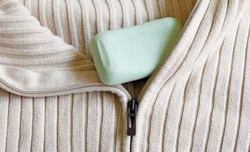 6 копеечных спасительных средств по уходу за одеждой и обувью, которые найдутся у каждого дома