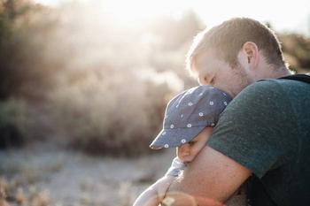 Признаки того, что ваш ребенок страдает от гиперопеки