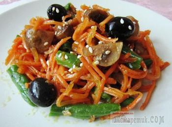 Постный салат с корейской морковью и грибами
