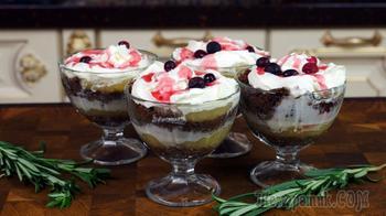 Десерт яблочный с печеньем и сливками