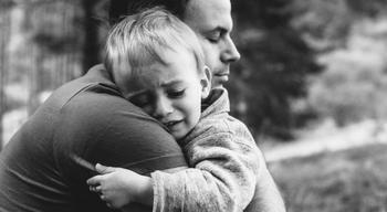 Папа распознал у сына инсульт и спас ему жизнь
