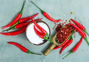 Красный горький перец от вредителей на огороде — применение настоя