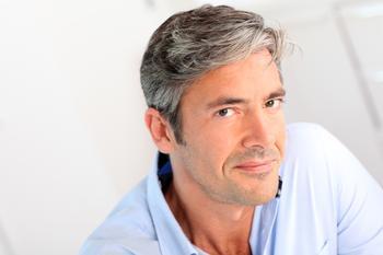 Если мужчина старше: 15 фактов, которые нужно знать его избраннице