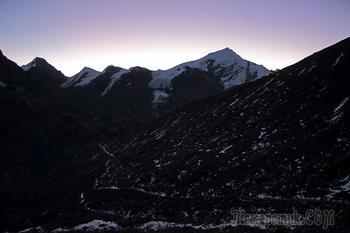 Непал. Гималаи. Трек вокруг Аннапурны. 13. Торунг Бэйс Кэмп (4925 м) - перевал Торунг Ла (5416 м) - селение Муктинатх (Ранипаува 3800 м)