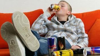 Можно ли подросткам пить энергетики?