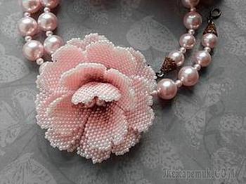 Как сделать маленький цветок из бисера