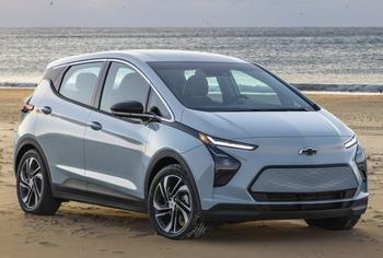 Chevrolet Bolt EV 2021: бюджетная версия американского электромобиля в кузове «хэтчбек»