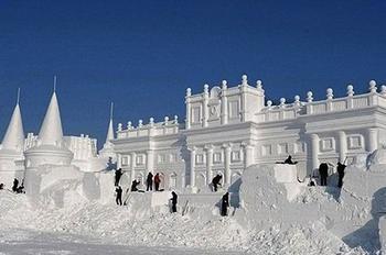 Потрясающие снежные скульптуры