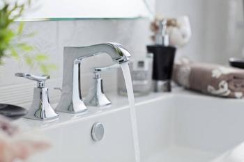 3 способа прочистить засор в раковине и сливе ванны