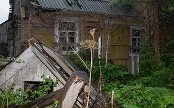 «Сидим целый день, семечки лузгаем» Как российский фотограф поехал в город Дно и выжил