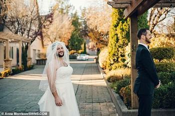 Рецепт удачной свадьбы: бородатая «невеста» подкралась к жениху