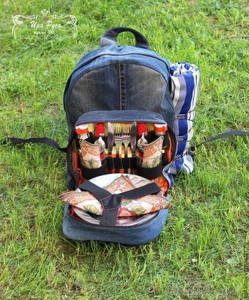 Шьем из джинсовой ткани удобный рюкзак для пикника на берегу моря