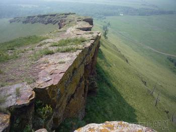 Древних мегалитических сооружений в России нет, даже если они есть.