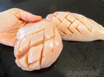 Надрезаем, маринуе, запекаем / Очень сочная куриная грудка