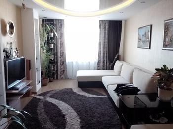 Гостиная: овальный потолок, круглые углы