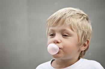 9 мифов из детства, в которые просто стыдно до сих пор верить