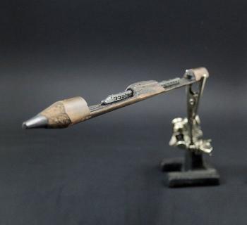 Невероятные скульптуры из карандашных грифелей