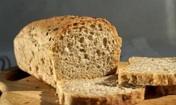 Обычный черный хлеб и помидоры – вещи совместимые