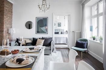 Симпатичная двухкомнатная квартира в белом