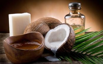 Кокосовое масло: применение и 20 полезных свойств