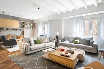 Гармония в деталях: дизайн большой квартиры в Барселоне