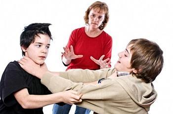 Что делать, если ребенок грубит окружающим