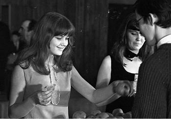 Десятикласница Ирина Алфёрова - участница конкурса красоты в 1968 году
