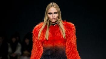 «Я не хочу убивать животных ради моды»: бренд Versace отказывается от меха