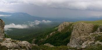 Крым. Чатыр-Даг майско-дождливый