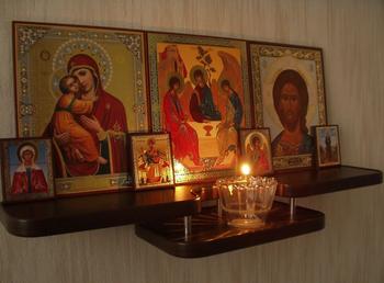 Супружеская спальня: можно ли размещать в ней иконы