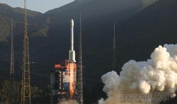 Китайская ракета выводит на орбиту два спутника, а обломки падают на крышу дома