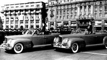 Военные, но мирные: все парадные автомобили СССР и России