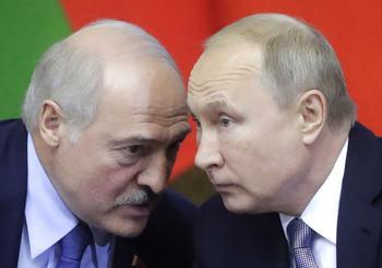 Путин не оставит Лукашенко без денег: после санкций Евросоюза Россия окажет новую помощь