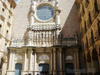 Монастыри и храмы... Монтсеррат