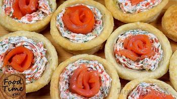 Эффектная праздничная закуска. Слоёные корзинки с красной рыбой и сыром