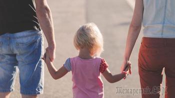 Власти России добавят выплат семьям с детьми
