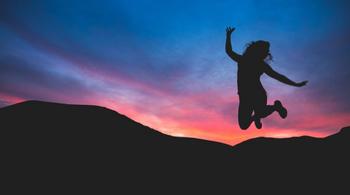 Тройка позитивных: знаки Зодиака общение с которыми дарит всем хорошее настроение