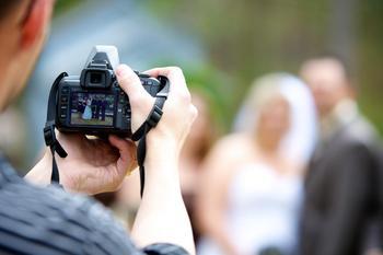 Можно ли человека фотографировать без его согласия?