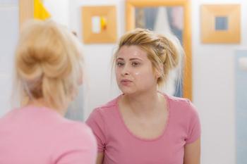 Жирная кожа лица: уход за ней и лечение