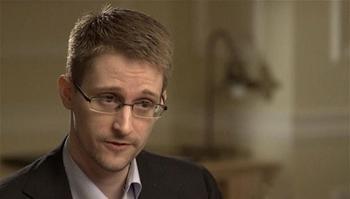 Сноуден: Америка давно травит россиян биологическим оружием
