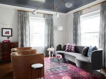 Викторианский дом с интерьерами в серых тонах и интересными акцентами в Чикаго