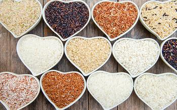 Синтетика вместо крупы: 5 способов, как распознать фальшивый рис