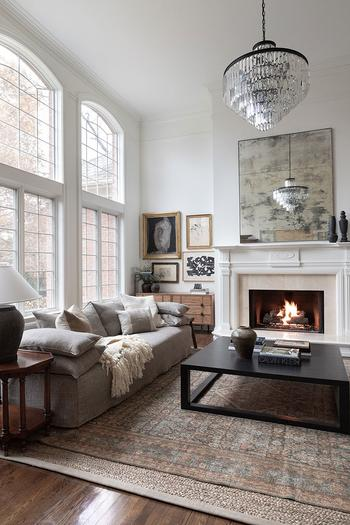 Нейтральная цветовая гамма и микс старого с новым: изысканный дом в США