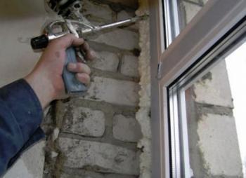 Отмываем пластиковые окна от монтажной пены в домашних условиях