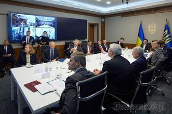 Поблагодарил за понимание: Зеленский призвал США усилить давление на Россию