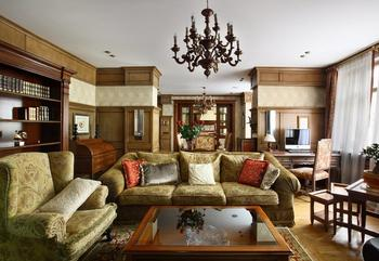 Традиционный спокойный интерьер квартиры в стиле неоклассика