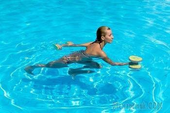 Водный фитнес: 10 упражнений в бассейне для похудения