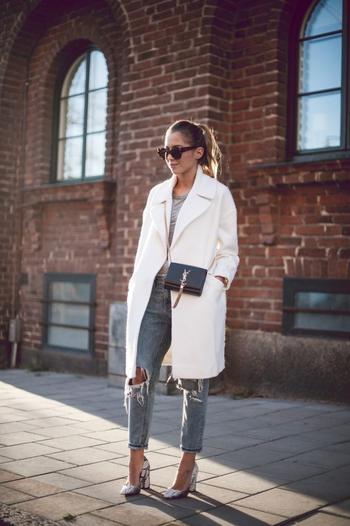 Стильное белое пальто