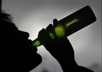 Продажа алкоголя несовершеннолетнему, закон об ограничении розничной продажи алкоголя